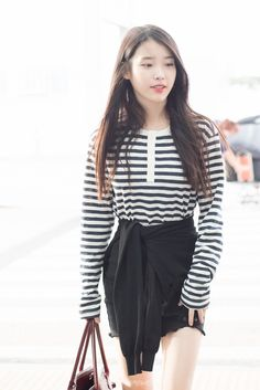 Iu Fashion, Fashion Lookbook, Korean Fashion, Fashion Looks, Cute Korean, Airport Style, Korean Outfits, Bell Sleeve Top, Actresses