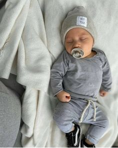 Cute Baby Boy, Cute Little Baby, Cute Baby Clothes, Cute Babies, Nimo Rapper, Baby Tumblr, Baby Mine, Foto Baby, Cute Baby Pictures