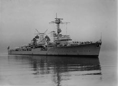 German light cruiser Köln (google.image) 05.18 Military Weapons, Battleship, Military History, Marines, Sailing Ships, Wwii, German, Navy, Boats