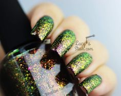 I have swatches of 6 new ILNP Ultra Chrome Flakies and the rest will be coming later (although I just received them so be patient with me). Love Nails, How To Do Nails, Pretty Nails, Nail Polish Art, Nail Polish Colors, Gucci Nails, Xmas Nails, Gel Nail Designs, Cool Nail Art