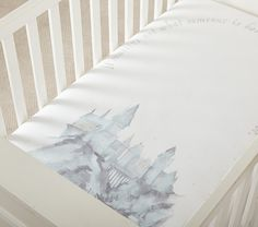 HARRY POTTER™ HOGWARTS™ Organic Picture Perfect Crib Fitted Sheet | Pottery Barn Kids Harry Potter Nursery, Harry Potter Baby Shower, Harry Potter Theme, Nursery Bedding, Bedding Decor, Room Decor, Nursery Room, Bedroom, Nursery Themes