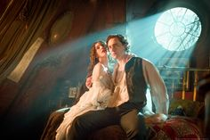 Tom Hiddleston as Sir Thomas Sharpe and Jessica Chastain as Lady Lucille Sharpe From http://tw.weibo.com/torilla/4039276838801363