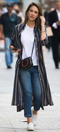 Jessica Alba out in NYC. #bestdressed