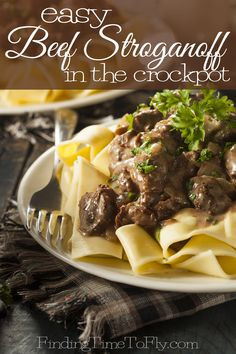 Easy Beef Stroganoff in the Crock Pot – Finding Time To Fly - Crockpotrecipes. Campbells Beef Stroganoff, Venison Stroganoff, Slow Cooker Beef Stroganoff Recipe, Mushroom Stroganoff, Crockpot Recipes Mexican, Beef Recipes, Recipies, Curry 3, Golden Mushroom Soup