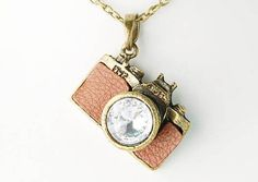 Vintage Like Clear Crystal Rhinestones Retro Inspired Camera Pendant Necklace Alilang,http://www.amazon.com/dp/B004H6UUQC/ref=cm_sw_r_pi_dp_IKuCsb06889QVTEN