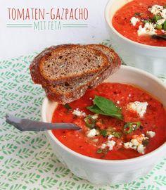 Sommerliche Gazpacho mit Feta von Ina http://www.pinterest.com/whatinaloves/ Zutaten: Tomaten, Gurke, Feta, Wassermelone  #gutelaunevitamix