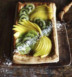 Tropiikin lehtevä hedelmäherkku | Soppa365