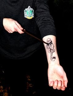 dark mark by Aka-Misa-chan on DeviantArt Draco Malfoy Aesthetic, Slytherin Aesthetic, Slytherin House, Slytherin Pride, Regulus Black, Harry Potter Marauders, Harry Potter Wallpaper, Gorgeous Tattoos, Dark Mark
