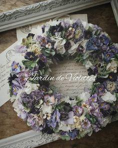 ビオラを散りばめた春呼ぶリース…✨ 1点になりますが Webshopよりご案内致しました…✨ http://violettes.ocnk.net/