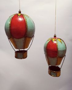 Handcrafted Christmas hot air balloons/ornaments/Christmas decor/unique balloons by Thoulie on Etsy