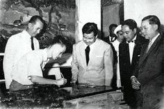 Thanh Le spanottery traces nation's history           Royal patronage: Cambodian crown prince Norodom Sihanouk visits the Thanh Le lacquer workshop. — VNS Photo Pham Cong Luan    There is a network of traditional craft villages in the southern province of Binh Duong specialising in ceramics, lacquer, sculpture and bass casting. Its ceramic ... #vietnamtravelnews #vntravelnews #vietnamnews  #traveltovietnam #vietnamtravel #vietnamtour