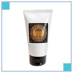 HAND CREAM: ALMOND  Verzorg je handen met de handcrèmes van La Manufacture en Provence. De crèmes bestaan uitsluitend uit natuurlijke ingrediënten en creëren door de vitaminen, vetzuren, shea butter, olijf- en zonnebloemolie een natuurlijke barrière tegen bacteriën en weersomstandigheden. Deze niet-vette crème bevat amandelolie, is gemakkelijk aan te brengen en trekt snel in.