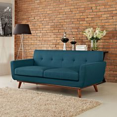 love this teal couch