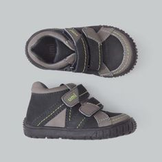 whether it's in sand, mud or grass, Braden for little boys can handle all types of play! umishoes.com