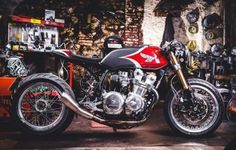 1982 Honda CB750F Cafe Racer by Puzzle Garage (@puzzlegarageroma) #motorcycles #caferacer #motos | caferacerpasion.com