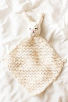 Adorable crochet bunny blanket!! You can make one too! Free pattern. http://www.flaxandtwine.com/2016/04/crochet-bunny-blanket/?utm_campaign=coschedule&utm_source=pinterest&utm_medium=anne%20weil%20%7C%20flax%20and%20twine&utm_content=The%20Cutest%20Crochet%20Bunny%20Blanket