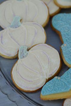Biscuits... blue #white #lavendar #cindarella #party #classy #fresh #no filter #meringues #birthdayinabox #thecakegenie #cupcakes #dresses #clockstrikesmidnight #glassslippers #cake #castlecake #lavendercake #towers #princecharming #horse #cindarella #icingchariot #pumpkin #biscuits #pumpkinbiscuits #chariotbiscuits #pastels  #dressup #cindarelladress #gloves #disney #highbun #personalisedinvites #buttonbiscuits #rosepiping #carrotcake #jloschutte www.jacindalouw-schutte.com