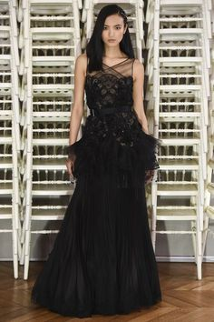 See the complete Alexis Mabille Spring 2016 Couture collection.