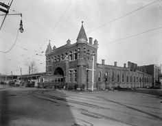 Trolley Barn at 4th & Avery Streets, Louisville, Ky., 1923