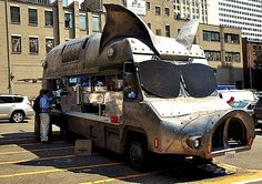 Meet Maximus Minimus, the traveling purveyor of pulled-pork and veggie sandwiches, Seattle, WA