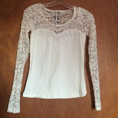 White Sweetheart Lace Long Sleeve (Size Small) Size Small. Lace Sleeves. Gold and black zipper accent on back. Tops Blouses