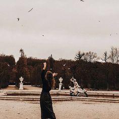 ᴄʟᴀᴜᴅɪᴀ (@claudiamerrill) • Instagram photos and videos Louvre, Photo And Video, Videos, Building, Photos, Travel, Instagram, Pictures, Viajes