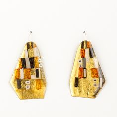 Painted brass earrings, by Johanne Ratté @lesjoanneries 2016. Klimt collection #contemporaryjewelry #earrings