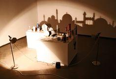 Großartige Schattenkunst vom aus Aserbaidschan kommenden Künstler Rashad Alakbarov, der aus gewöhnlichen Alltagsgegenständen und Licht recht...