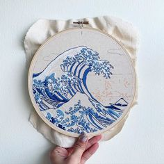 Embroidery On Clothes, Learn Embroidery, Modern Embroidery, Embroidery Hoop Art, Hand Embroidery Patterns, Cross Stitch Embroidery, Great Wave Off Kanagawa, Sewing Projects, Creations