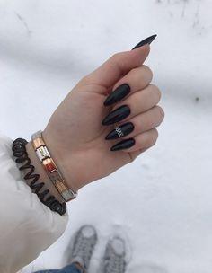 Aycrlic Nails, Dark Nails, Stiletto Nails, Cute Nails, Pretty Nails, Manicure Y Pedicure, Nail Decorations, Finger, Nail Arts