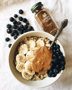 "intertwining: ""⭐️Blueberry Pancake Oats⭐️ Recipe: -½ cup rolled oats -1 cup water -splash of non dairy milk (I used soy milk) -1 tsp cinnamon -1 tsp coconut sugar -1 tbsp nut butter (I used almond butter) -fruit for topping -hemp seeds..."