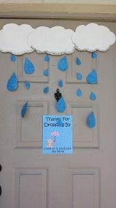 front door decoration for rain themed baby shower www.mamabearscorner.net