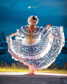 National Dress La Pollera Panamá 🇵🇦 Commercial Photography, Captain Hat, Fashion Photography, Culture, Instagram, Hats, Vacation Spots, Villas, Link