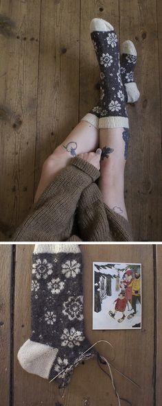 FO Sightings: Sina's socks Crochet Socks, Knit Or Crochet, Knitting Socks, Hand Knitting, Mittens Pattern, Wool Socks, How To Purl Knit, Knitting Accessories, Knitting Projects