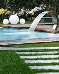 Garten Mit Pool Holzboden Wasserfall Modern