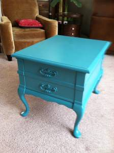 Vintage Shabby Chic End Table - $125 (Fishers landing)  http://portland.craigslist.org/clk/fuo/2783166308.html