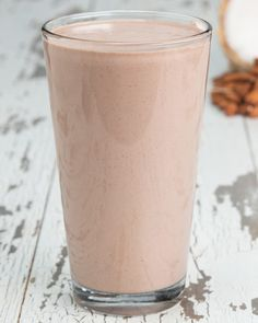 Servings: 2INGREDIENTS1½ cups coconut milk¼ cup almond butter1 scoop chocolate protein powder1 cup icePREPARATION1.Put all ingredients into a blender and mix until smooth.2.Serve and enjoy!