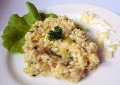 Risotto s cuketou a parmazánem nebo nivou Risotto, Couscous, Zucchini, Goodies, Food And Drink, Menu, Yummy Food, Healthy, Ethnic Recipes