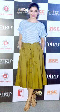Bollywood fashion 801711171135671261 - Deepika Padukone at the trailer launch of 'Piku'. Source by Western Dresses, Western Outfits, Western Wear, Indian Outfits, Indian Celebrities, Bollywood Celebrities, Bollywood Fashion, Bollywood Saree, Dipika Padukone