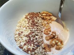 Mandags smoothie Smoothie, Oatmeal, Breakfast, Food, The Oatmeal, Morning Coffee, Rolled Oats, Essen, Smoothies