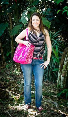 Look do dia Clube - Bolsa pink, cinto pink e brinco de coruja !!!  Confira: http://blogcharmedalu.com.br/look-do-dia-clube-bolsa-pink-cinto-pink-e-brinco-de-coruja/