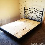 This step by step woodworking project is about floating queen size platform bed plans. If you want to enhance the look of your bedroom, you should consider building a floating bed. Floating Platform Bed, Floating Bed Frame, Platform Bed Plans, Queen Size Platform Bed, Bed Frame Plans, Diy Bed Frame, Homemade Beds, Woodworking Projects Diy, Queen Size Bedding