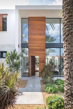 Image 6 of 29 from gallery of Helen Street / mw Door Gate Design, Door Design Interior, Main Door Design, Front Door Design, Exterior Design, Modern Entrance Door, Modern Door, House Entrance, Modern Exterior