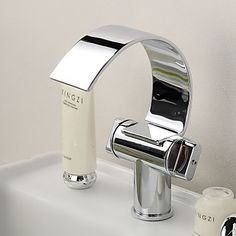 Bathroom Sink Taps with Brass Chrome Finish Waterfall Curve Spout Contemporary Design Bathroom Sink Taps
