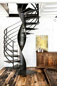 originelle Treppe aus Metall