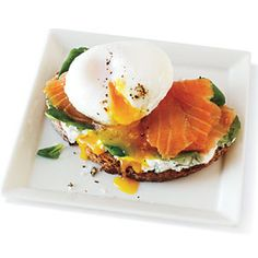 Smoked Salmon and Egg Sandwich - Comfort Food Breakfast and Brunch Recipes - Cooking Light Mobile Brunch Recipes, Breakfast Recipes, Breakfast Healthy, Health Breakfast, Breakfast Ideas, Smoked Salmon And Eggs, Egg Sandwiches, Sandwich Recipes, Breakfast Sandwiches