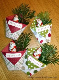 Here are 16 awesome ideas for diy Christmas decorations. Some of the material I got from a dollar tree store. Crafts For Teens, Diy Crafts To Sell, Easy Crafts, Easy Diy, Christmas Tree Themes, Christmas Crafts, Xmas, Christmas Ornaments, Treat Holder