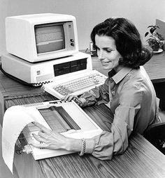 IBM Personal Computer, que armazenava cartas, manuscritros e outros textos