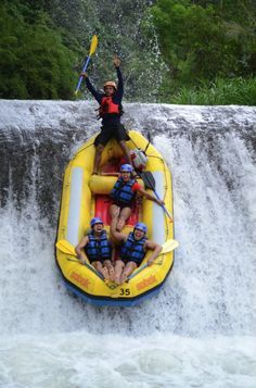 White Water Rafting in Bali is one of the most popular outdoor activities on the island. Join a half day tour for some extreme Bali adventure rafting. Sports Nautiques, Water Sports, Bali, Sup Stand Up Paddle, Whitewater Rafting, Summer Bucket Lists, Extreme Sports, Adventure Is Out There, Day Tours