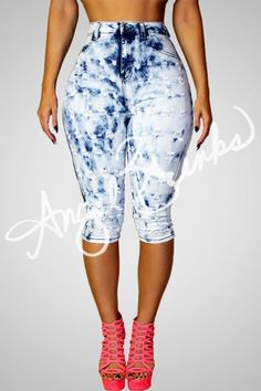 Fashion designer of your favorite celebrities and more! African Print Clothing, African Print Fashion, Tribal Fashion, Diva Fashion, Fashion Killa, Capri Outfits, Drip Drip, Pin Up Models, Jeans Fashion
